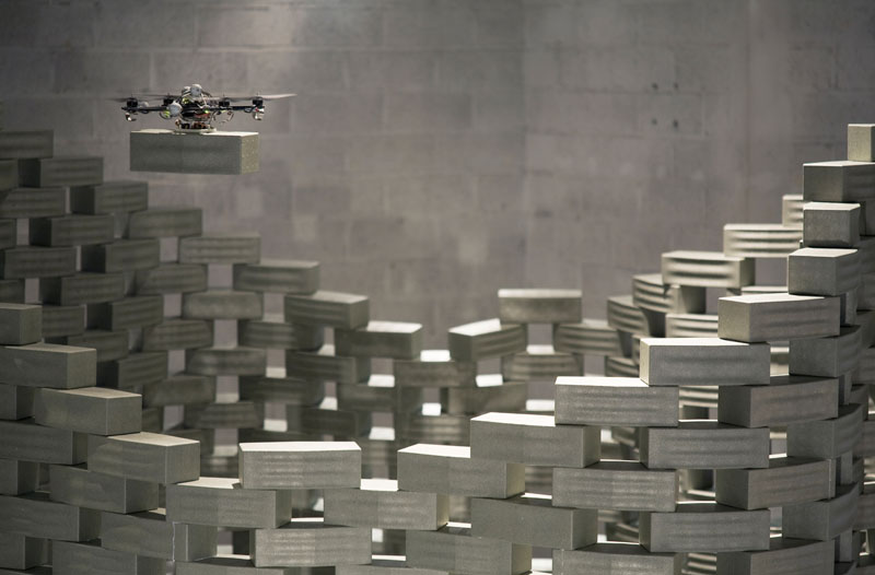 A quadcopter lays a brick in the correct position of the wall - (c) François Lauginie - Source