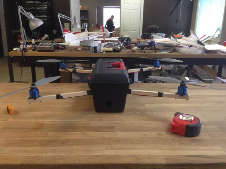 A quadcopter based on a toolbox, by FliteTest