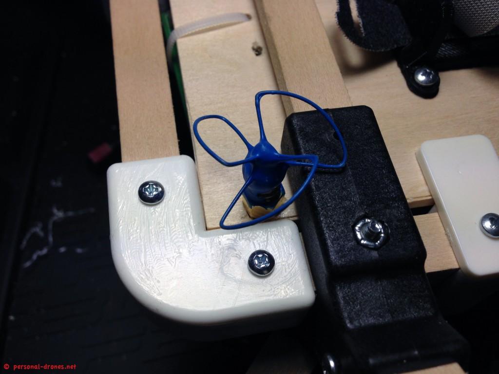 Bluebeam polarized 5.8 GHz antenna for the Quadlugs quadcopter FPV setup
