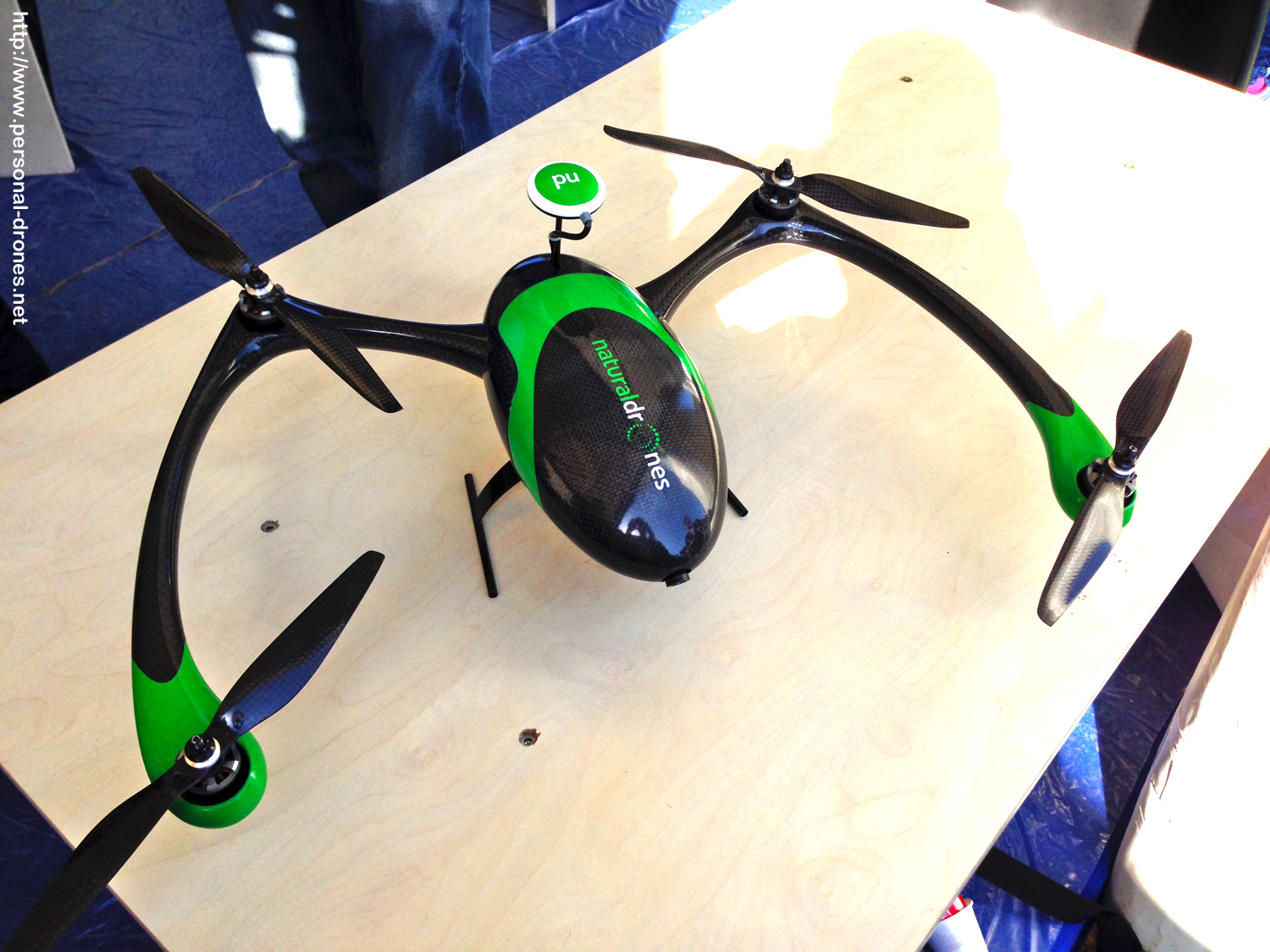 Natural Drones quadcopter. 4 motors but not 4 arms, for a change.