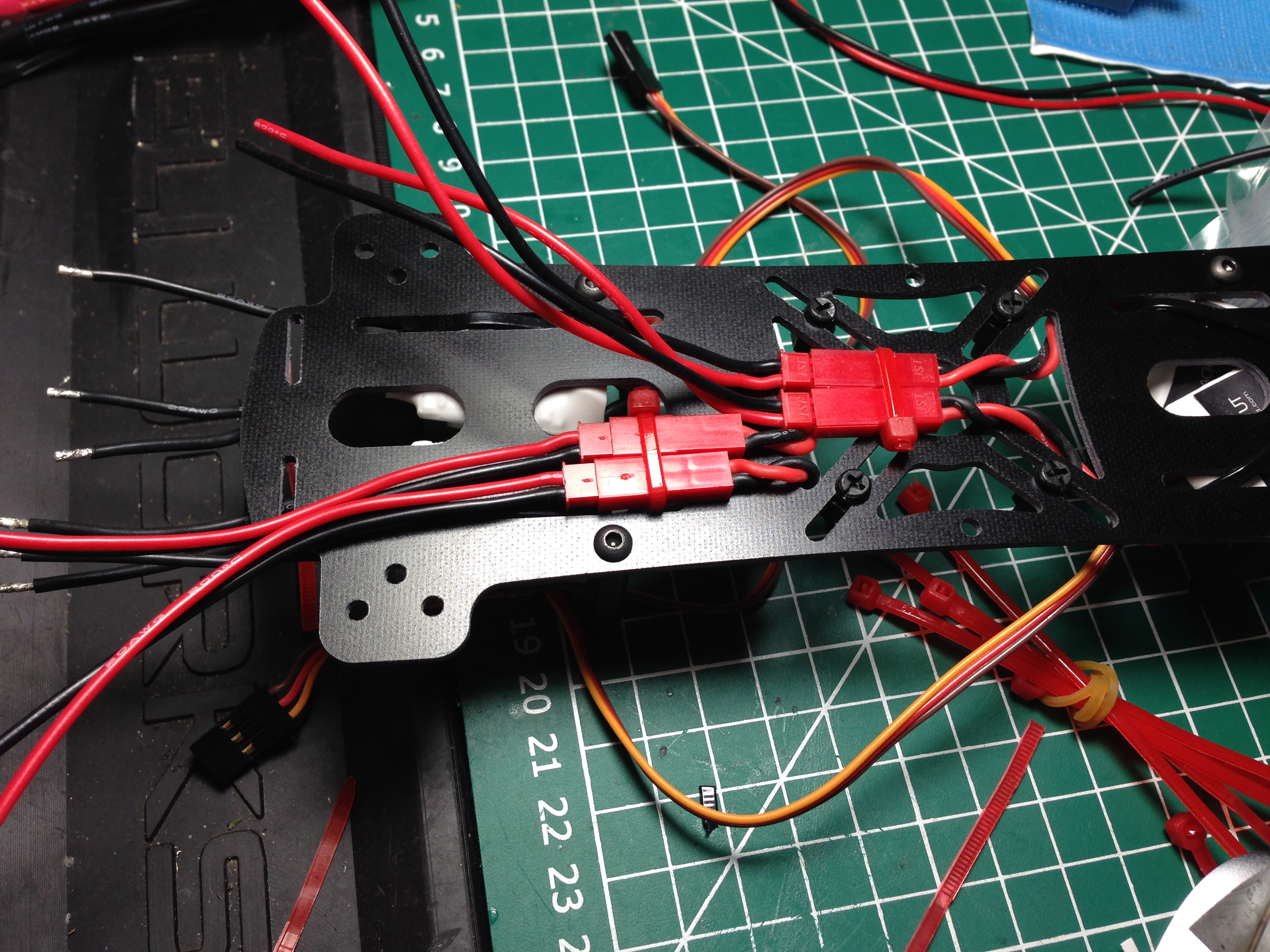 Starting to build the power distribution system for the FlyXcopter FlyX-Mini