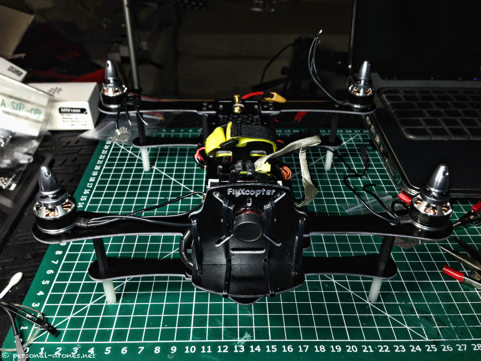FlyXcopter FlyX-Mini. It's alive!